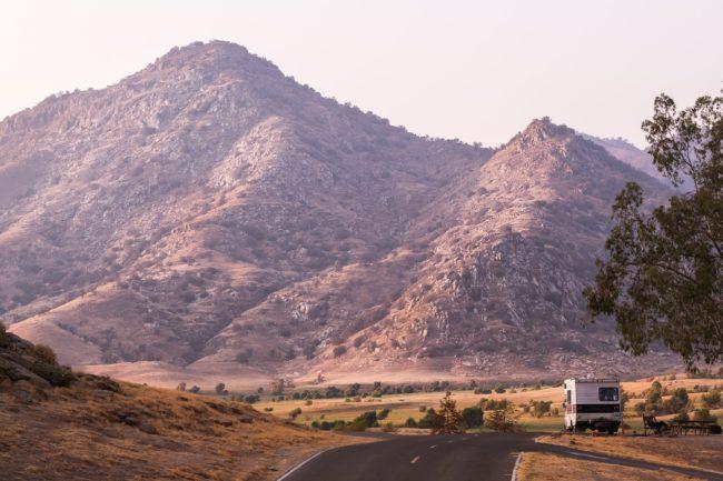 Diferencias entre estacionar acampar y pernoctar con una autocaravana