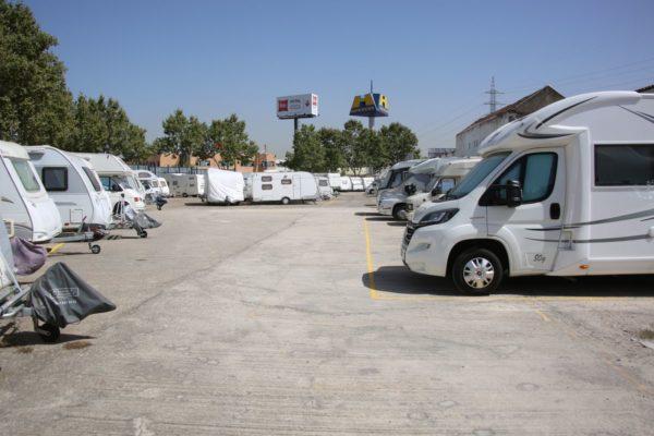 Parking de caravanas autocaravanas y furgonetas campers en Alcorcón