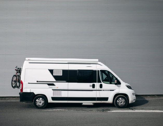 Furgoneta camper de alquiler Adria Twin 600 SPT Family