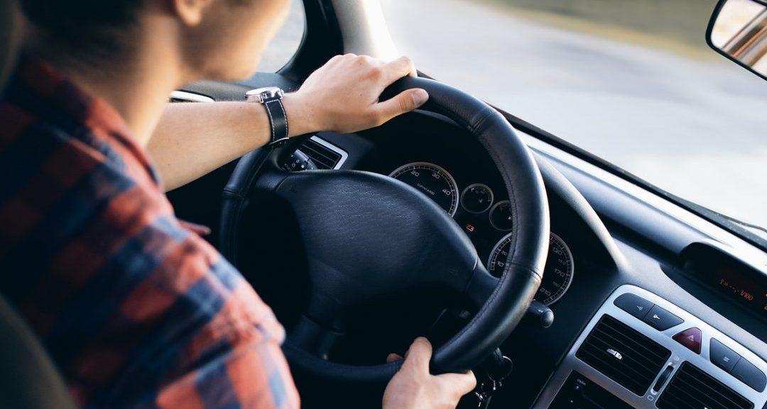 Cuál es la edad mínima para conducir una autocaravana