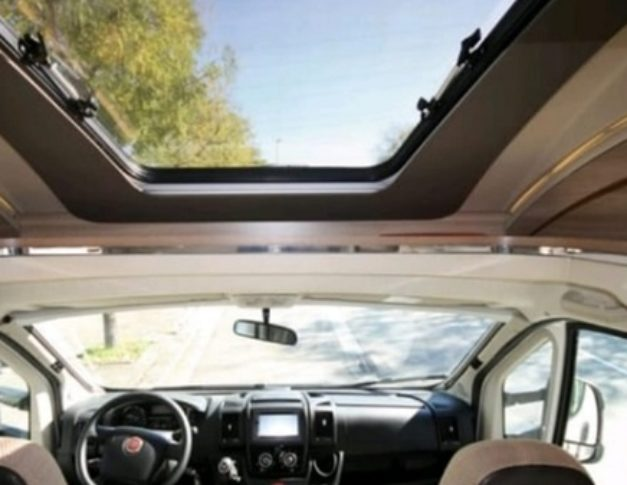 Autocaravana de alquiler Adria Matrix Axess M 670SL
