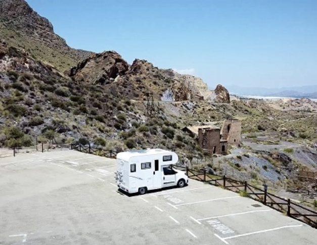 Furgoneta camper de alquiler Fiat Dobló Enaire Future