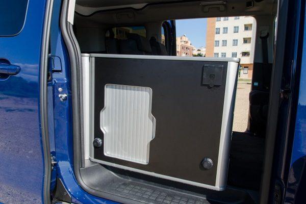 Furgoneta camper de alquiler Peugeot Traveller