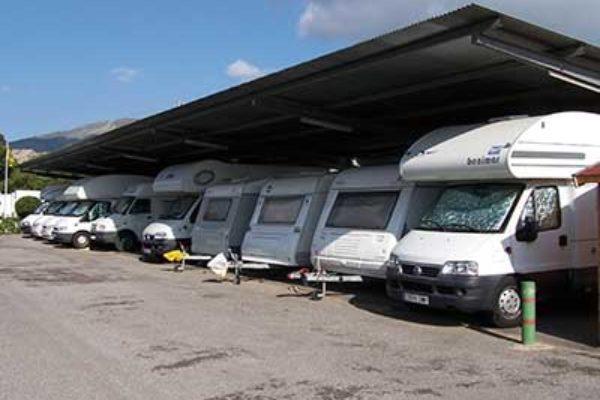 Parking de caravanas autocaravanas y furgonetas campers en Castellón