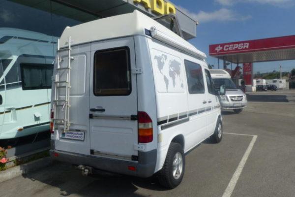 Camper de ocasión Mercedes 213 CDI La Strada
